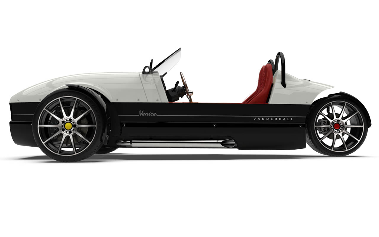 Vanderhall-Venice-side EU White nov machined wheels brembo